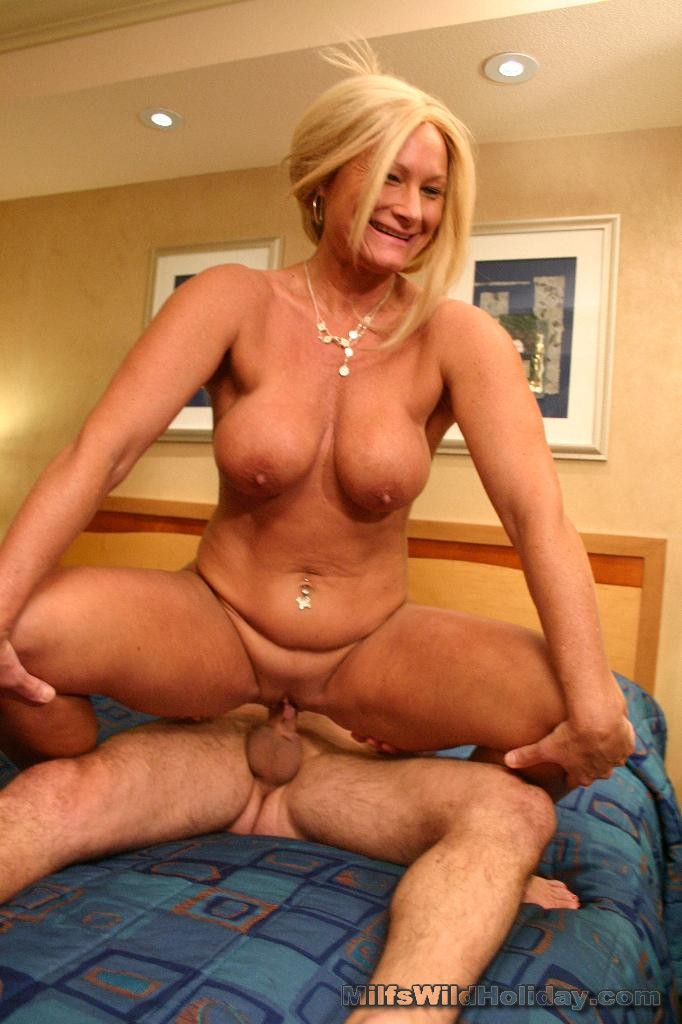 New young couple goes to a swingers party for the first time 8