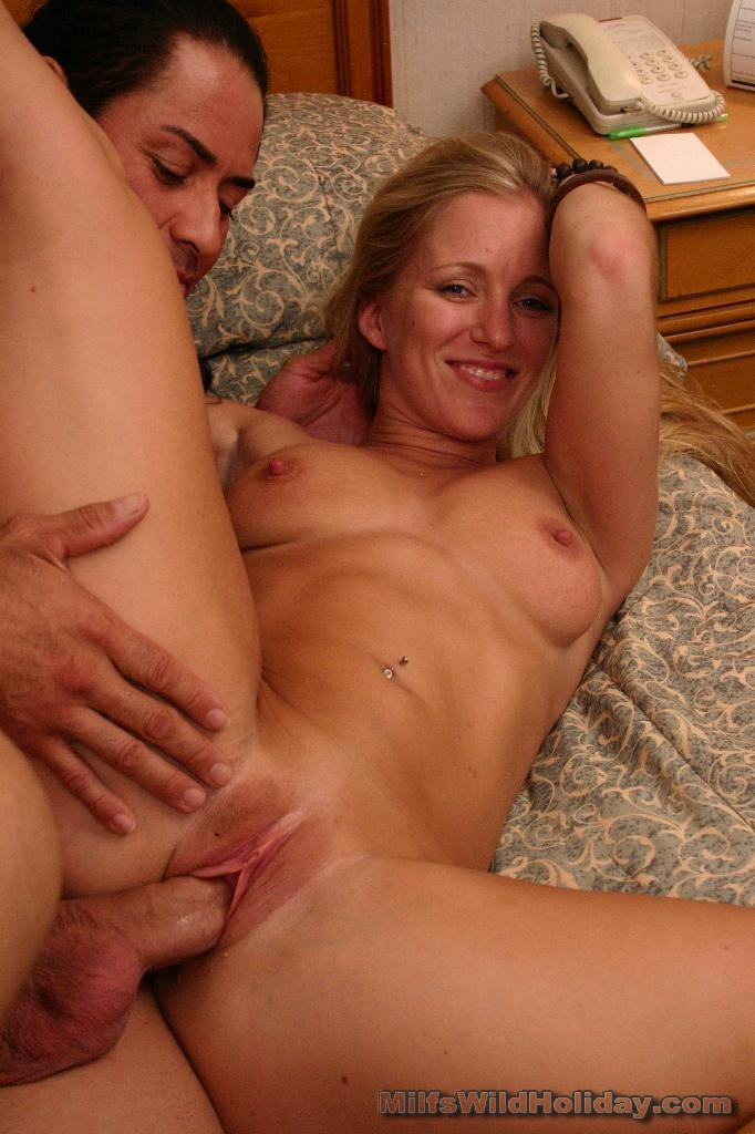 http://galleries.milfswildholiday.com/photos/290/p13.jpg
