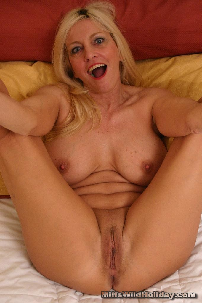 Hot milf mom
